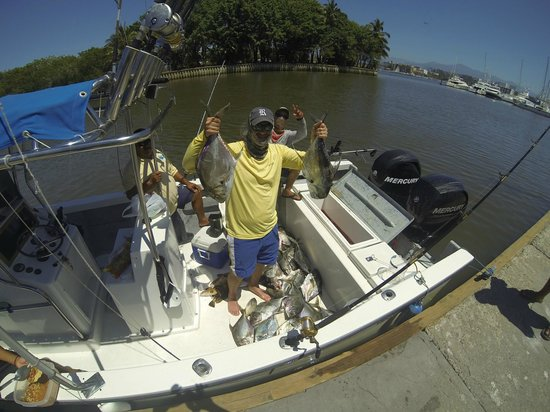 Charly's Sailing and Sport Fishing: Pompano in PV!