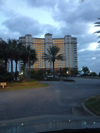 The Beach Club: Front of our tower (Doral)