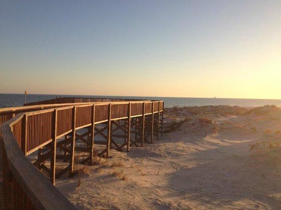 The Beach Club: Walkway to the beach