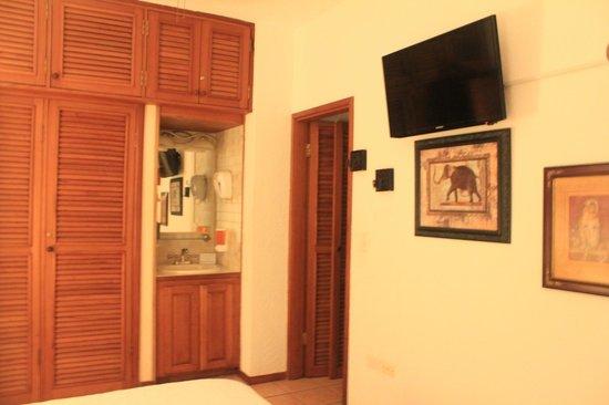 Xanadu Island Resort : Room #12 Bedroom 1