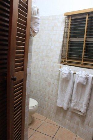 Xanadu Island Resort : Room #12 Bathroom