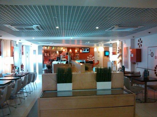 Ibis Porto Centro : Restaurante e café