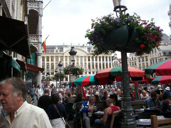 Place du Grand Sablon: The Place on a Summer evening