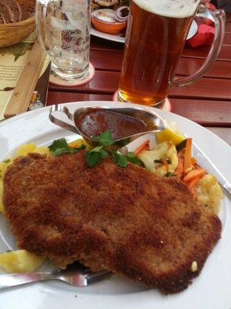 Watzke Brauereiausschank am Ring: Good food and beer