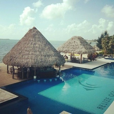 Belize Ocean Club Resort : Early morning view from our room