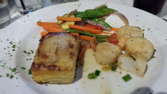 The Onion Grille: Scallop dinner... Minus a couple scallops I already ate. Very good!