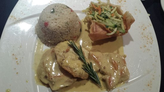 Rendez Vous Bakery & Bistro: Chicken curry was very delicious