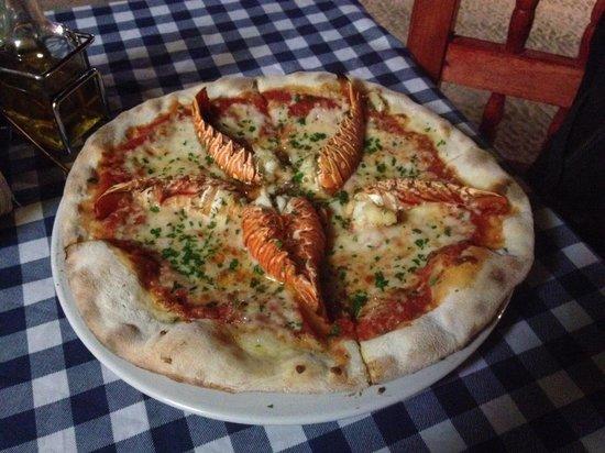 Cariocas Pizzas Holbox: Pizza de langosta, muy rica. Los que se quejan del precio, vayan por una de salami en Domino's.