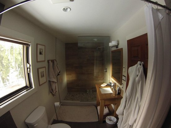 Home Lodge: ensuite bathroom