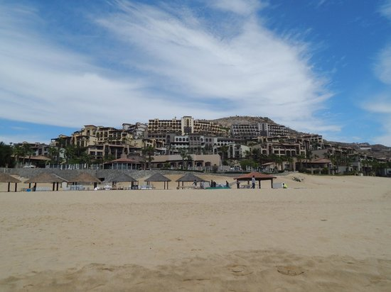 Pueblo Bonito Sunset Beach Golf & Spa Resort: View of Hotel from the Beach