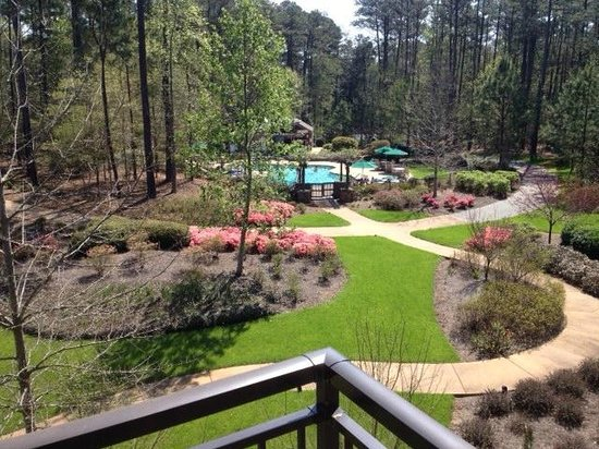 Beautiful grounds and pool at The Lodge & Spa at Callaway - Picture ...