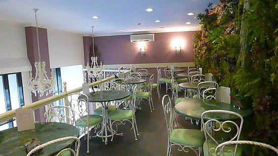 Greguar Hotel & Apartments : Upstairs in the cafe where the Greguar breakfast is served