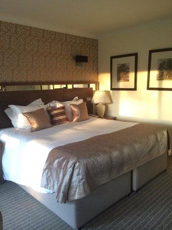Careys Manor Hotel & SenSpa: Super comfy bed