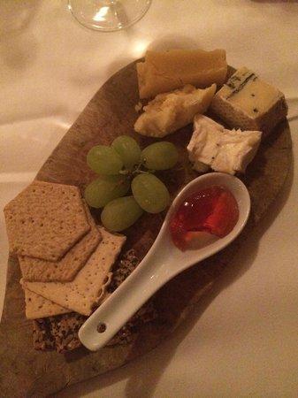 Careys Manor Hotel & SenSpa: Cheese board