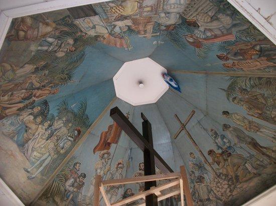 Summit Circle Cebu: The famous Magellan Cross