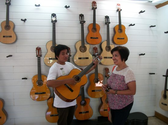 Summit Circle Cebu : Cebu Famous Guitars