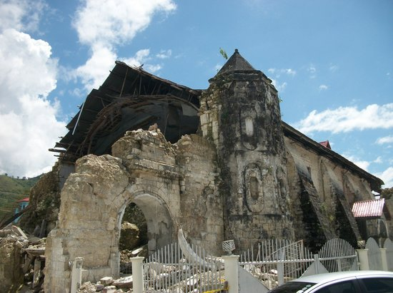 Summit Circle Cebu : Earthquake Damaged Church