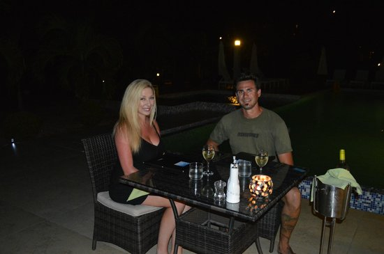 Hotel Bocas del Mar: Dinner by the pool
