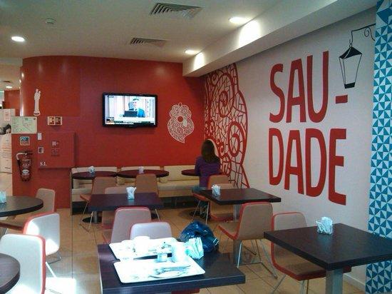 Ibis Lisboa Liberdade: Restaurante e café