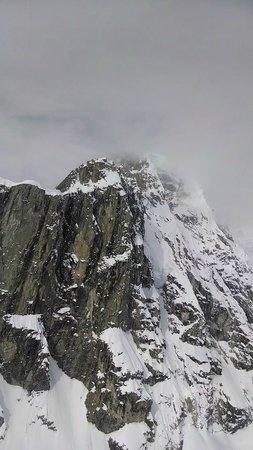 K2 Aviation : Pic near McKinley 2