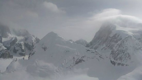 K2 Aviation : Pic near McKinley 3
