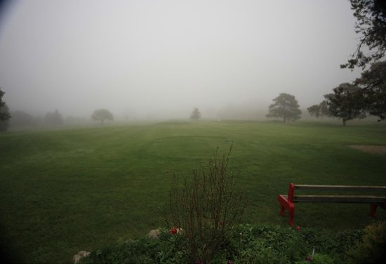 Cornerstone Golf Club: Misty morning on the first tee.