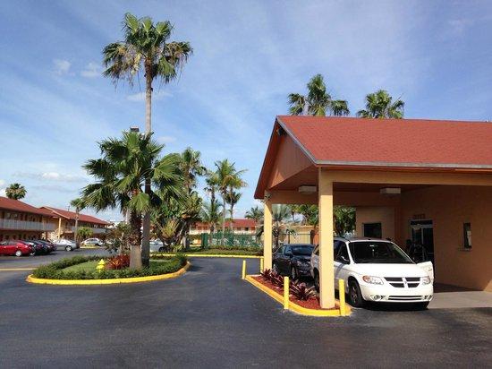 Fairway Inn Florida City : Reception and breakfast area