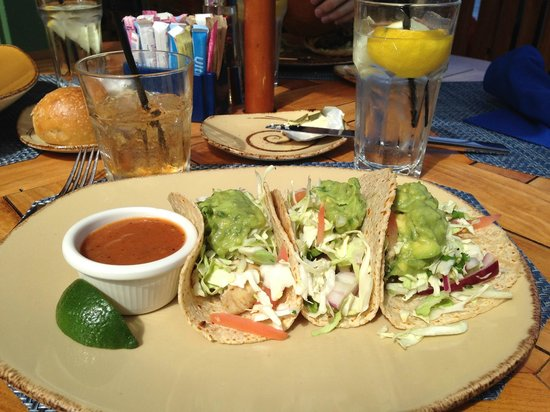 Schooners Coastal Kitchen & Bar: Grill Sea Bass Tacos
