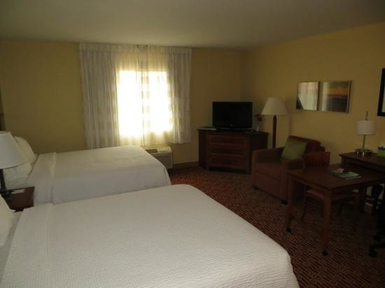 TownePlace Suites Bentonville Rogers : nice room