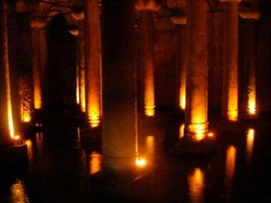 Citerne Basilique (Yerebatan Sarnıcı) : Cistern