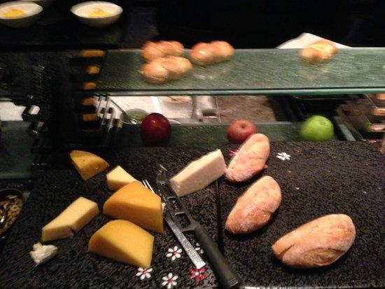 InterContinental Suzhou: Lounge buffet 3