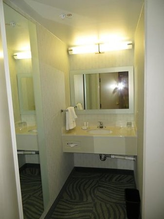 SpringHill Suites Austin Round Rock : Bathroom, 410