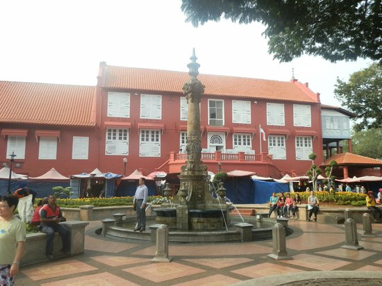 Red Square (Dutch Square): Stadthuys and Queen Victoria Fountain