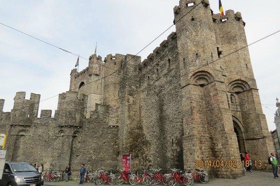 Gravensteen Castle : フランドル伯居城外観