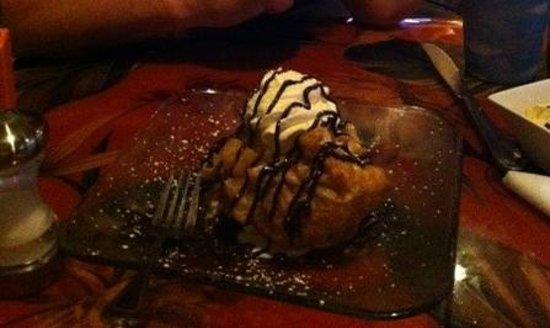 Fat Kahuna's Beach Side Grille: Pineapple Upside-down Cake