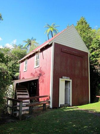 Whanganui River: Kawana Historic Flour mill