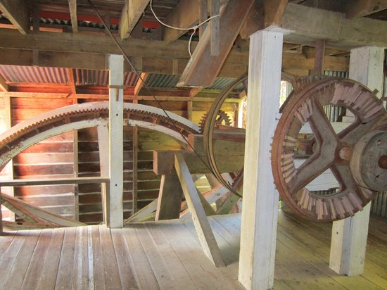 Whanganui River: Machinery inside the mill