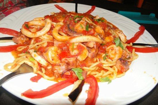 Enoteca Mediterraneo: macarrão de frutos do mar