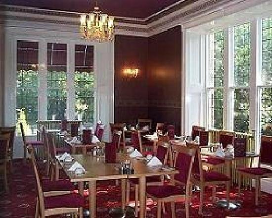 Hazeldean Hotel: traditional dining