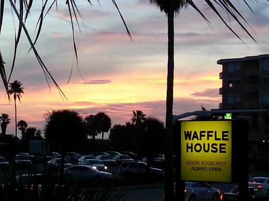 Treasure Bay Resort & Marina: View from 2nd floor roof patio - sunset