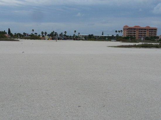 Treasure Bay Resort & Marina: WIDE beach