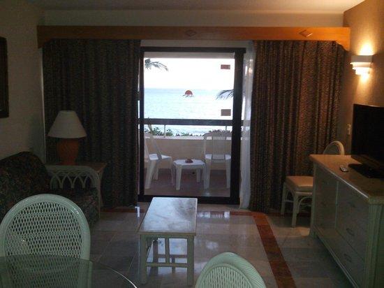 The Palms Resort Of Mazatlan: Comedor / Sala / Balcón