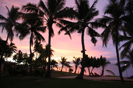 Sunset at the Sheraton Denarau Villas