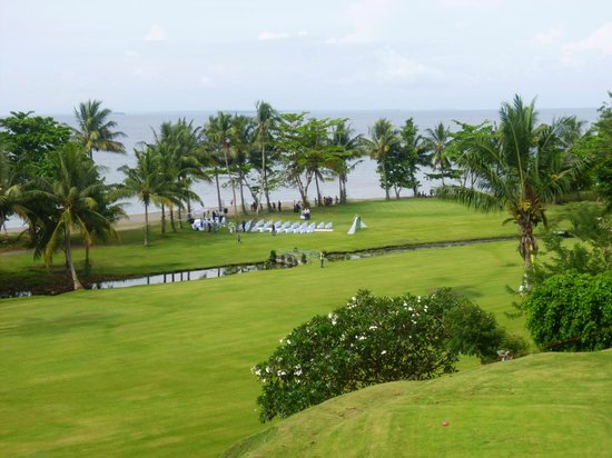 Gazelle International Hotel: golf course and wedding venue below hotel