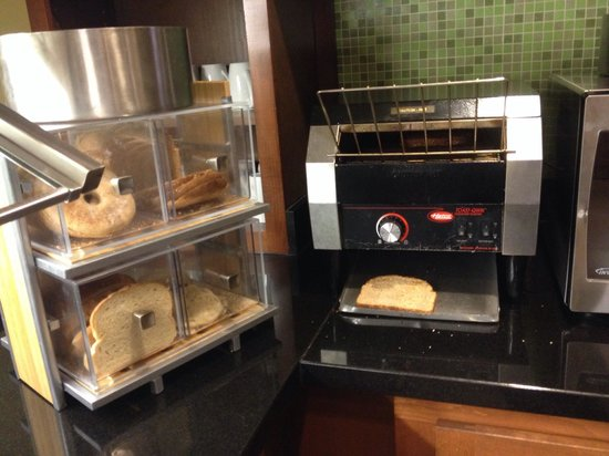 Hyatt Place Richmond/Chester : Carb central