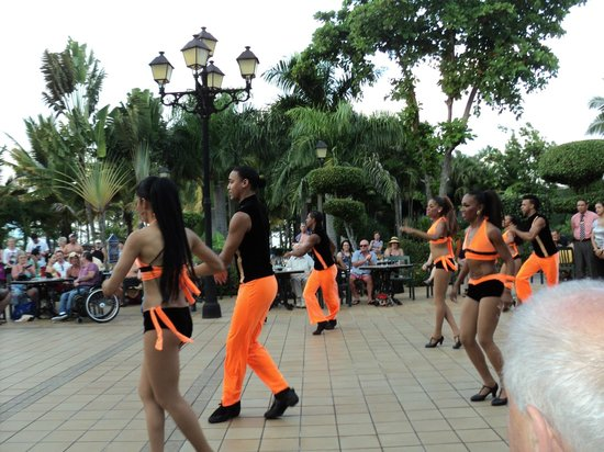 ClubHotel Riu Bachata : Again the dancing crew!