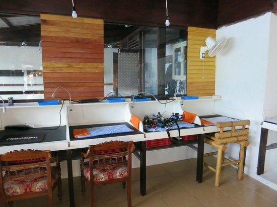 NAD-Lembeh Resort : One side of camera room