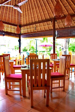 Art Cafe Sanur: A sunny afternoon in Bali