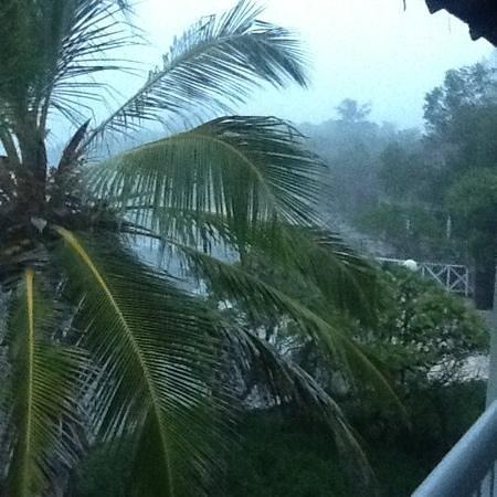 Cinnamon Dhonveli Maldives: утром гроза