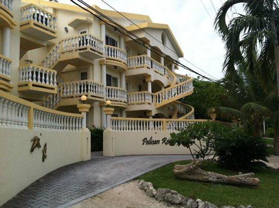 Pelican Reef Villas Resort: front